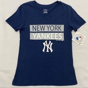New York NY Yankees Blue Sparkle V-neck T-Shirt